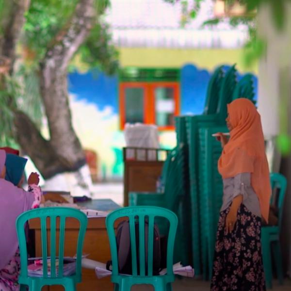 Menabung untuk masa depan: Jalan menuju inklusi ekonomi perempuan
